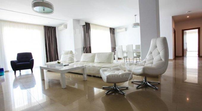 inchiriere Apartament Constanta cu 3 camere, cu 2 grupuri sanitare, suprafata utila 147 mp. Pret: 500 euro negociabil.