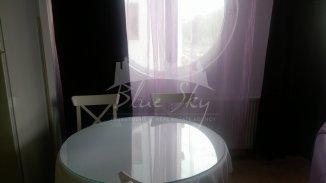 vanzare apartament cu 3 camere, decomandat, in zona Statiunea Mamaia, orasul Constanta