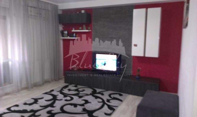 Apartament de vanzare in Constanta cu 3 camere, cu 2 grupuri sanitare, suprafata utila 90 mp. Pret: 65.000 euro negociabil.