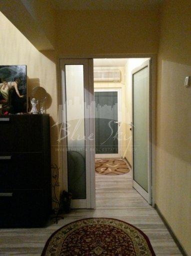 Apartament de vanzare in Constanta cu 3 camere, cu 2 grupuri sanitare, suprafata utila 80 mp. Pret: 60.000 euro.