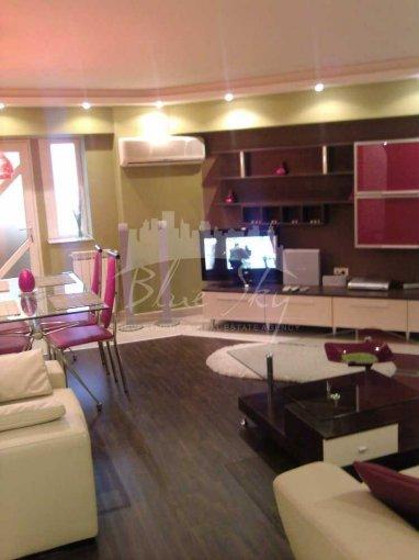 Apartament de inchiriat in Constanta cu 3 camere, cu 2 grupuri sanitare, suprafata utila 75 mp. Pret: 350 euro.