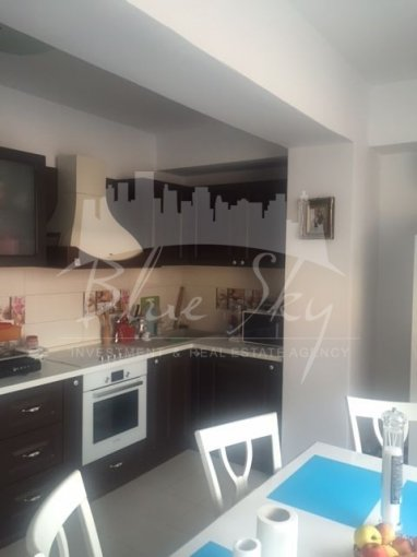 vanzare Apartament Constanta cu 3 camere, cu 2 grupuri sanitare, suprafata utila 80 mp. Pret: 72.900 euro negociabil.