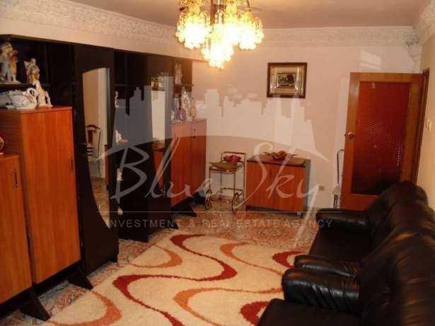 Apartament vanzare Constanta 3 camere, suprafata utila 83 mp, 2 grupuri sanitare. 60.000 euro. Etajul 4. Apartament Pod Butelii Constanta