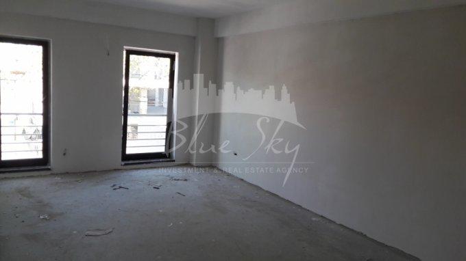 Apartament vanzare Constanta 3 camere, suprafata utila 100 mp, 2 grupuri sanitare. 97.000 euro. Etajul 2. Apartament Centru Constanta