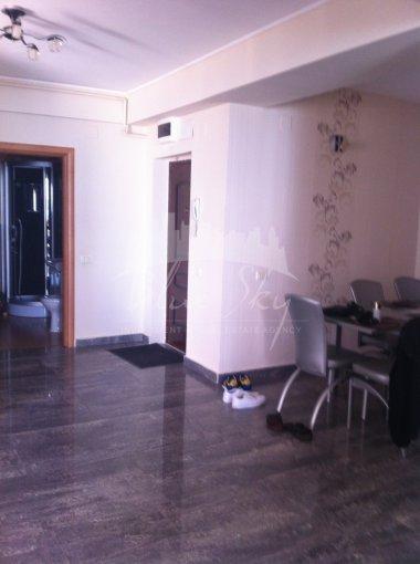 Apartament de vanzare in Constanta cu 3 camere, cu 2 grupuri sanitare, suprafata utila 190 mp. Pret: 155.000 euro negociabil.