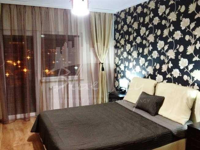 Apartament inchiriere Tomis 1 cu 3 camere, etajul 3, 2 grupuri sanitare, cu suprafata de 85 mp. Constanta, zona Tomis 1.