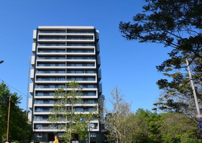 vanzare Apartament Constanta cu 3 camere, cu 2 grupuri sanitare, suprafata utila 85 mp. Pret: 98.000 euro.