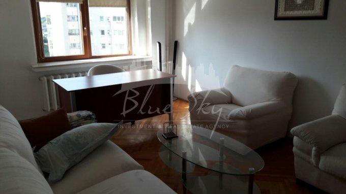 Apartament vanzare Gara cu 3 camere, etajul 7, 2 grupuri sanitare, cu suprafata de 85 mp. Constanta, zona Gara.