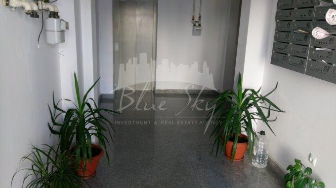 Apartament de vanzare in Constanta cu 3 camere, cu 2 grupuri sanitare, suprafata utila 115 mp. Pret: 90.000 euro negociabil.