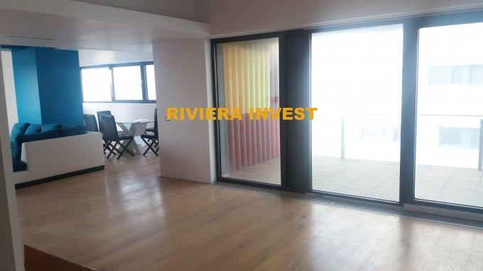 Apartament de inchiriat in Constanta cu 3 camere, cu 3 grupuri sanitare, suprafata utila 185 mp. Pret: 950 euro. Usa intrare: Metal. Usi interioare: Lemn. Mobilat modern.