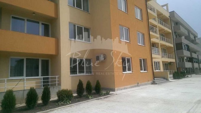 Apartament vanzare cu 3 camere, la Parter, 2 grupuri sanitare, cu suprafata de 107 mp. Constanta.