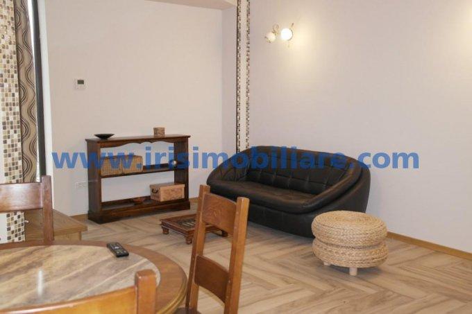 Apartament de inchiriat direct de la agentie imobiliara, in Constanta, in zona Inel 2, cu 699 euro. 2  balcoane, 2 grupuri sanitare, suprafata utila 85 mp. Mobilat lux.