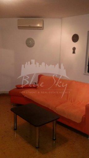 Apartament de inchiriat in Constanta cu 3 camere, cu 2 grupuri sanitare, suprafata utila 100 mp. Pret: 400 euro negociabil.