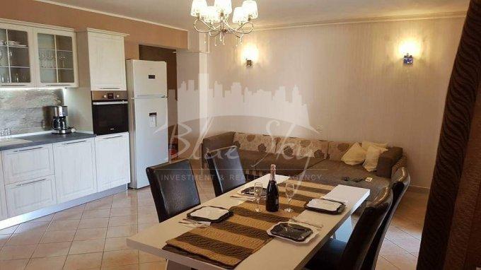 Apartament de vanzare in Constanta cu 3 camere, cu 2 grupuri sanitare, suprafata utila 90 mp. Pret: 95.000 euro negociabil.