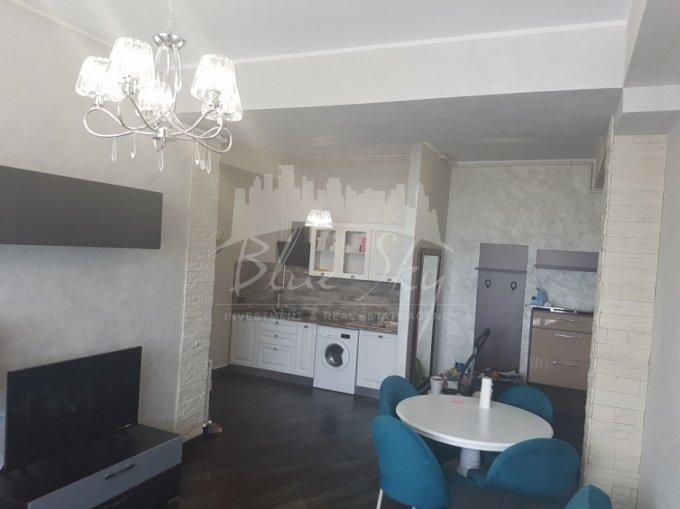 Apartament vanzare Constanta 3 camere, suprafata utila 80 mp, 2 grupuri sanitare. 99.000 euro. La Parter. Apartament Statiunea Mamaia Constanta