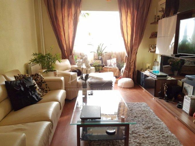 vanzare Apartament Constanta cu 3 camere, cu 2 grupuri sanitare, suprafata utila 80 mp. Pret: 73.000 euro.