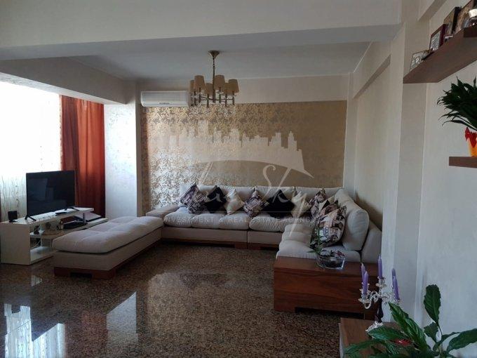 Apartament de inchiriat in Constanta cu 3 camere, cu 2 grupuri sanitare, suprafata utila 175 mp. Pret: 1.000 euro negociabil.