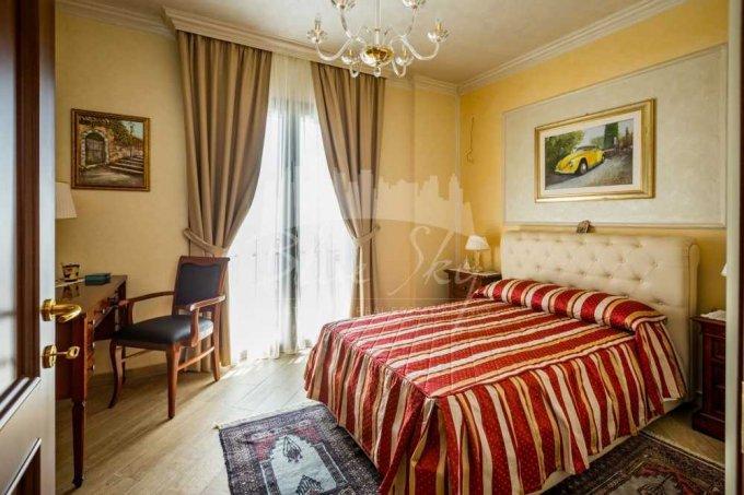 Apartament de inchiriat in Constanta cu 3 camere, cu 2 grupuri sanitare, suprafata utila 100 mp. Pret: 800 euro negociabil.