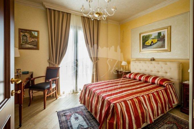 Apartament de vanzare direct de la agentie imobiliara, in Constanta, in zona Statiunea Mamaia, cu 159.000 euro negociabil. 2 grupuri sanitare, suprafata utila 96 mp.