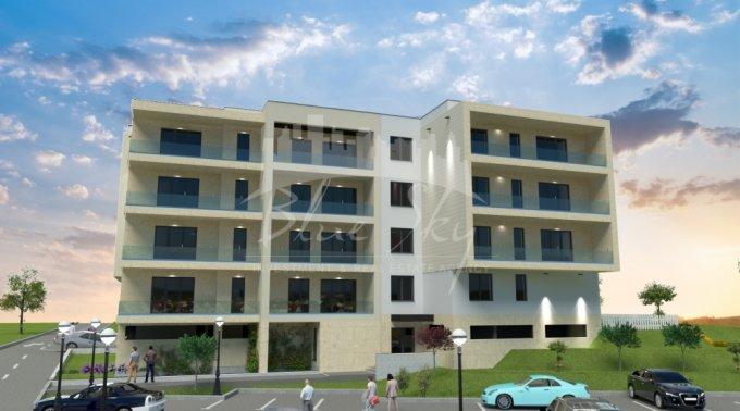 Apartament vanzare Tomis Nord cu 3 camere, la Parter, 2 grupuri sanitare, cu suprafata de 8353 mp. Constanta, zona Tomis Nord.