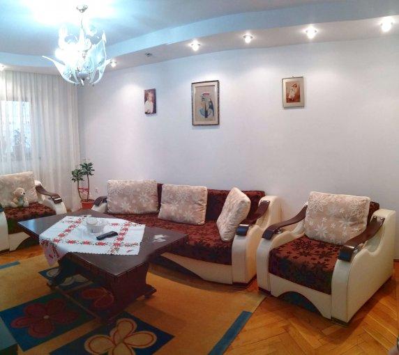 Apartament vanzare Constanta 3 camere, suprafata utila 68 mp, 2 grupuri sanitare, 1  balcon. 81.000 euro. Etajul 4 / 4. Destinatie: Rezidenta. Apartament Victoria Constanta