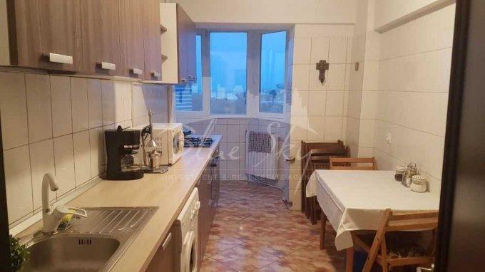 Apartament vanzare Tabacarie cu 3 camere, etajul 5, 2 grupuri sanitare, cu suprafata de 90 mp. Constanta, zona Tabacarie.