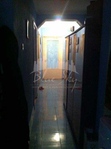 vanzare Apartament Constanta cu 3 camere, cu 2 grupuri sanitare, suprafata utila 90 mp. Pret: 85.000 euro negociabil.