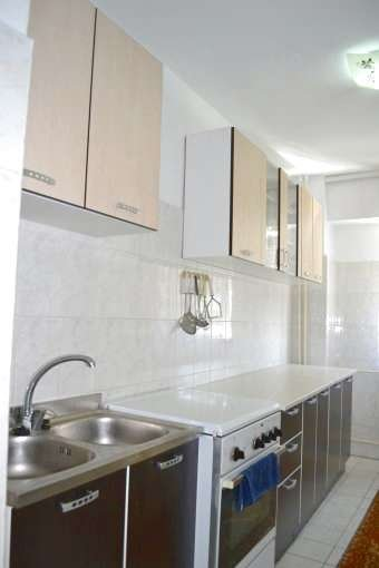 vanzare apartament decomandat, zona Spitalul Militar, orasul Constanta, suprafata utila 78 mp