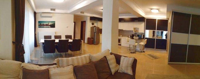 Apartament de vanzare in Constanta cu 3 camere, cu 3 grupuri sanitare, suprafata utila 130.4 mp. Pret: 135.000 euro. Usa intrare: Lemn. Usi interioare: Panel.