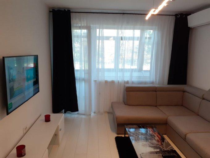Apartament vanzare Constanta 3 camere, suprafata utila 72 mp, 2 grupuri sanitare, 1  balcon. 97.000 euro negociabil. Etajul 1 / 10. Destinatie: Rezidenta, Birou. Apartament Casa de Cultura Constanta