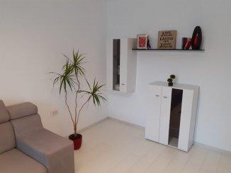 vanzare apartament cu 3 camere, decomandat, in zona Casa de Cultura, orasul Constanta