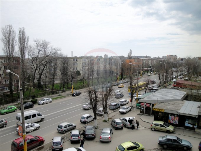 agentie imobiliara inchiriez apartament decomandat, in zona Tomis 3, orasul Constanta