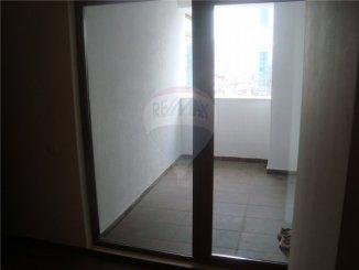 vanzare apartament decomandata, zona Faleza Nord, orasul Constanta, suprafata utila 92 mp