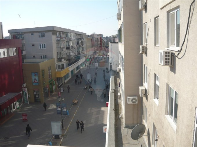 agentie imobiliara inchiriez apartament decomandata, in zona Ultracentral, orasul Constanta