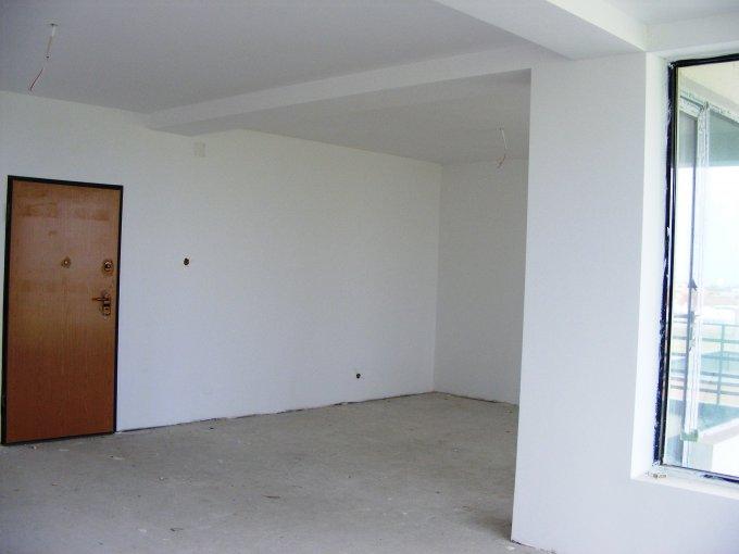 Constanta, zona Tomis Plus, apartament cu 3 camere de vanzare