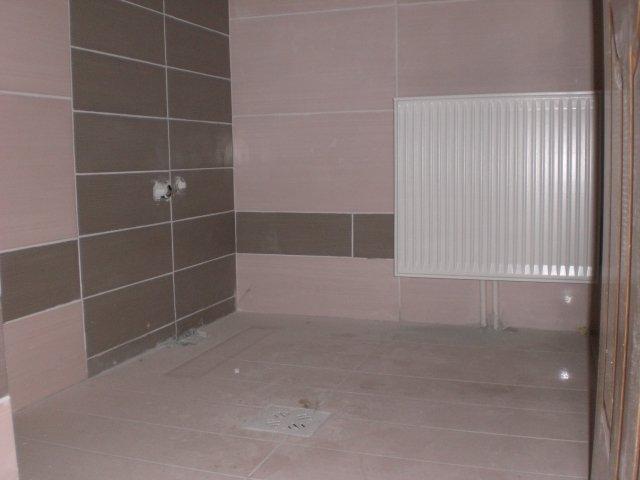 vanzare apartament decomandata, zona Poarta 6, orasul Constanta, suprafata utila 85 mp