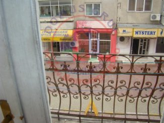 agentie imobiliara vand apartament semidecomandat-circulara, in zona Cazino, orasul Constanta