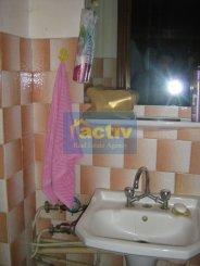 vanzare apartament cu 3 camere, decomandat, in zona Dacia, orasul Constanta