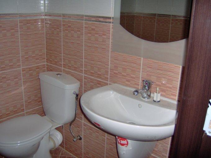 agentie imobiliara vand apartament decomandat, in zona Delfinariu, orasul Constanta