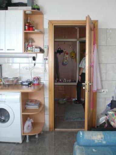 vanzare apartament decomandat, zona Spitalul Militar, orasul Constanta, suprafata utila 82 mp