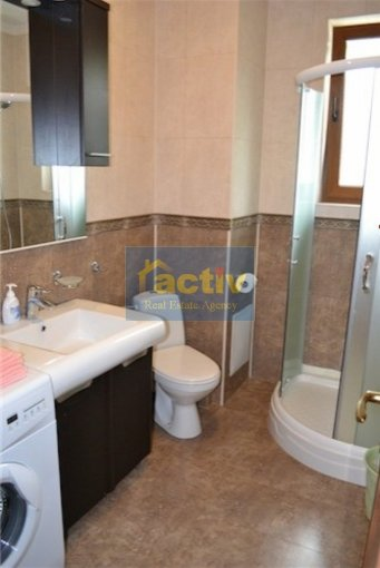 inchiriere apartament cu 3 camere, decomandat, in zona Mamaia statiune, orasul Constanta