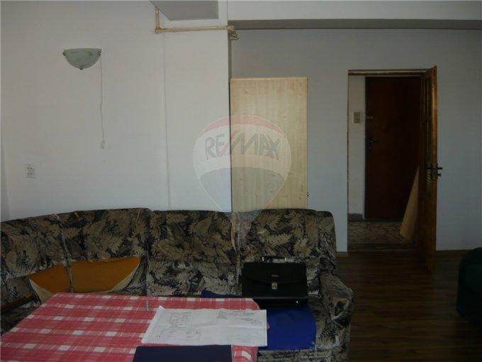 vanzare apartament decomandat, zona Delfinariu, orasul Constanta, suprafata utila 65 mp