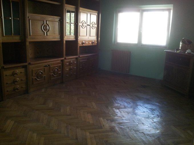 Constanta, zona Tomis 3, apartament cu 3 camere de vanzare