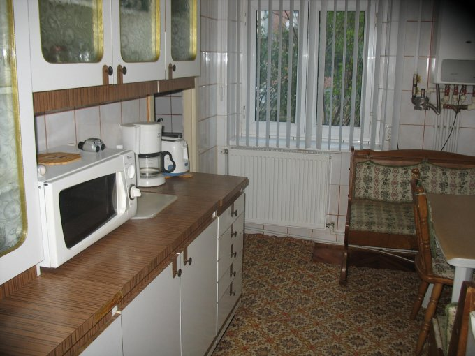 Constanta, zona Primo, apartament cu 3 camere de inchiriat, Mobilat modest