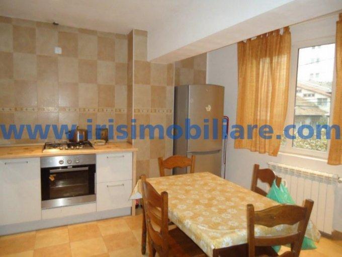 inchiriere apartament cu 3 camere, decomandat, in zona Capitol, orasul Constanta
