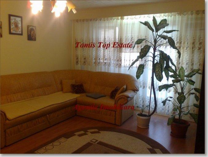 vanzare apartament cu 3 camere, semidecomandat, in zona Spitalul Militar, orasul Constanta