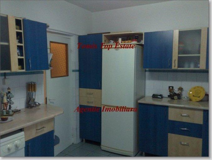 vanzare apartament semidecomandat, zona Spitalul Militar, orasul Constanta, suprafata utila 80 mp