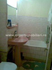 agentie imobiliara vand apartament decomandat, in zona Far, orasul Constanta