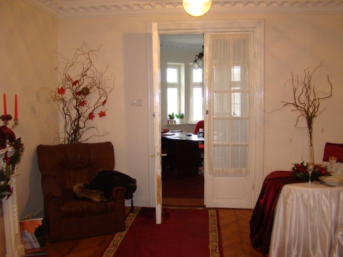 inchiriere apartament cu 3 camere, decomandat, in zona Ultracentral, orasul Constanta