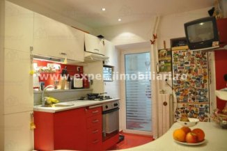 vanzare apartament decomandat, zona Gara, orasul Constanta, suprafata utila 84 mp